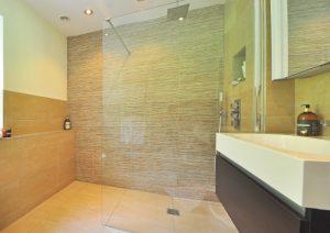 zuhanyfa