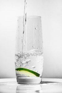 pohár-viz
